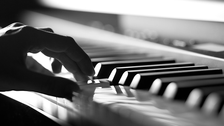 what age should I start my child in piano lessons